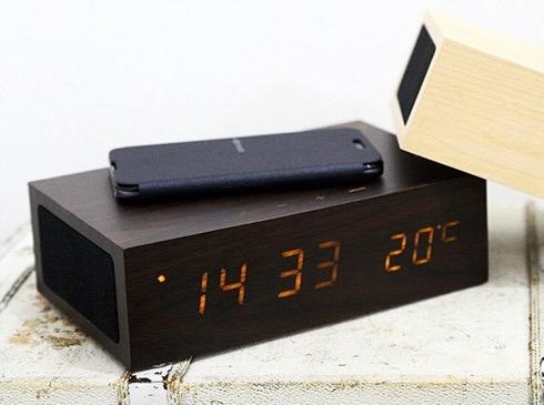 寝室でスマホを充電。音楽も聴けちゃうLED目覚まし時計【AlarmClock SpeakerBox】