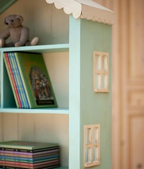Alicesdollhousetallbookcase03
