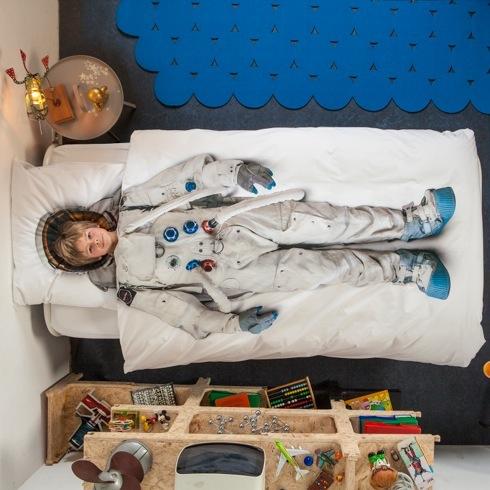 Astronaut04