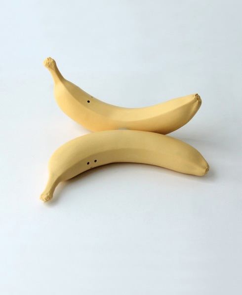 Bananasaltandpeppershakers02