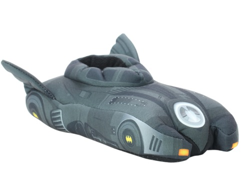 Batmanbatmobileslippers01