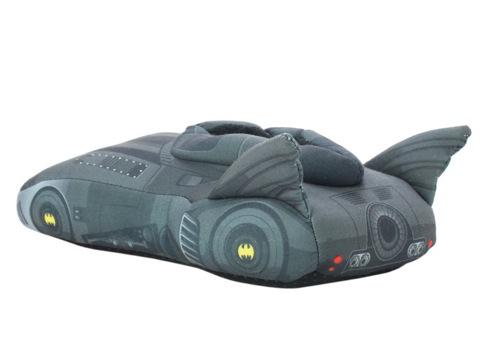 Batmanbatmobileslippers02