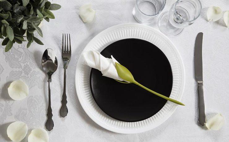 お皿に添えるだけで、なんだかゴージャスな気分。