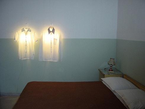 Clotheshangerlamp01
