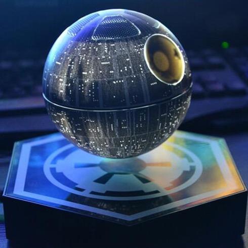 宙に浮かぶ「デス・スター」のBluetoothスピーカー【Death Star Levitating Speaker】