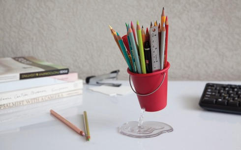 Deskbucket01