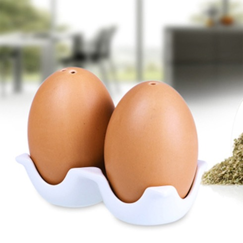 Eggdesignsaltandpeppershaker03