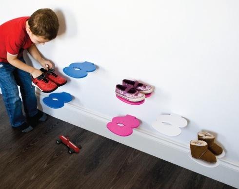 Footprintchildrenssheshelf01