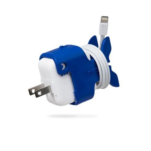 Apple純正アダプタをもっと便利にするケーブルホルダー【Gulp CableKeep】