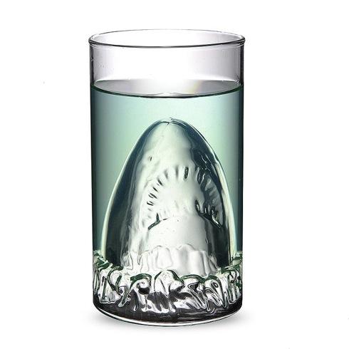 Jawssharkattackglass02