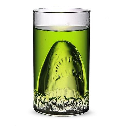 Jawssharkattackglass04