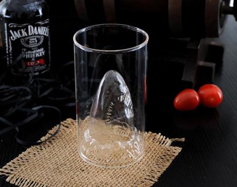 Jawssharkattackglass05