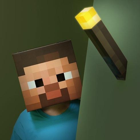 Minecraftlightuptorch03