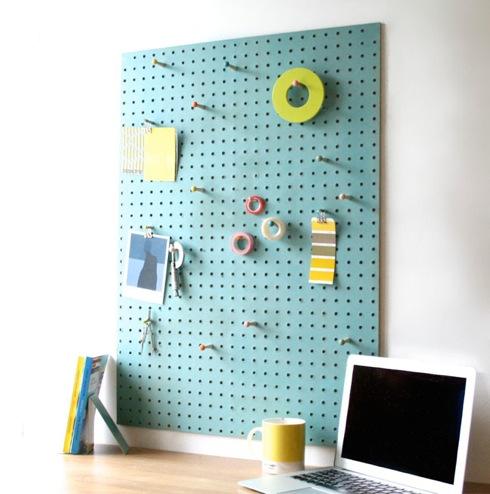手軽に「フック収納」が作れる壁面ボード【PegBoard】