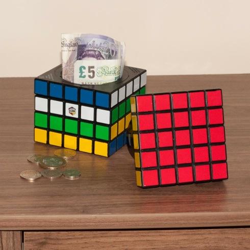 Rubikscubesafe01