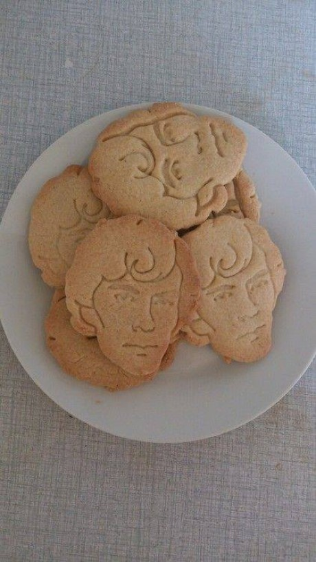 Sherlockcookiecutter04