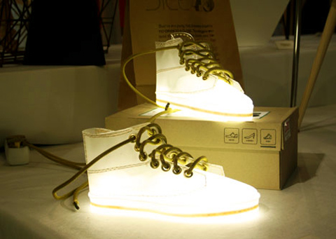 Shoelamp01