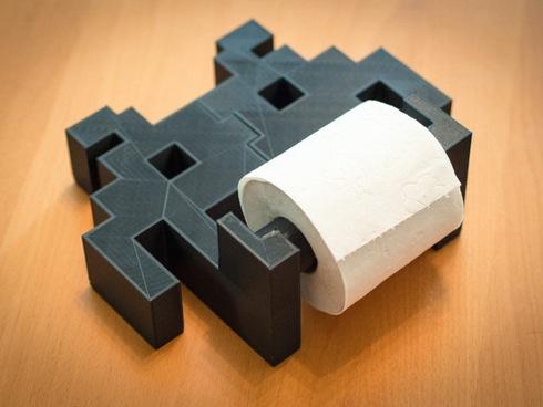Spaceinvadertoiletpaperholder01