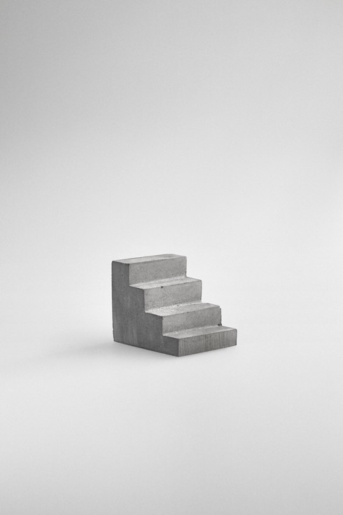 Staircasepaperweight01