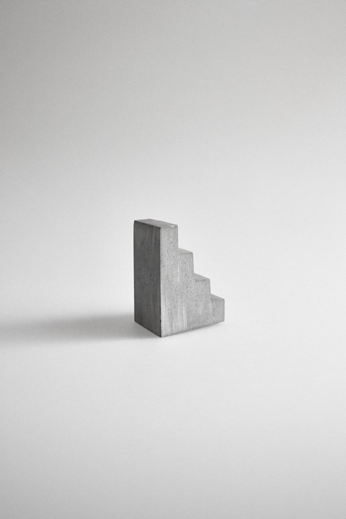 Staircasepaperweight03