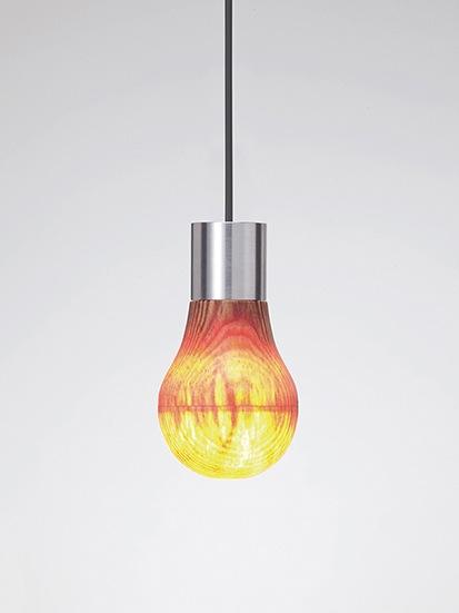 Woodenlightbulb02
